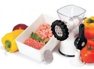 Useful-Manual-Meat-Grinder-Mincer-and-Pasta-Maker-0-4
