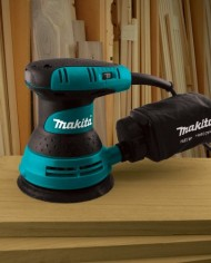 Makita-BO5031K-5-Inch-Random-Orbit-Sander-Kit-0-1