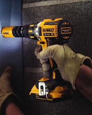 DEWALT-DCD790D2-20V-MAX-XR-Lithium-Ion-Brushless-Compact-DrillDriver-Kit-0-3